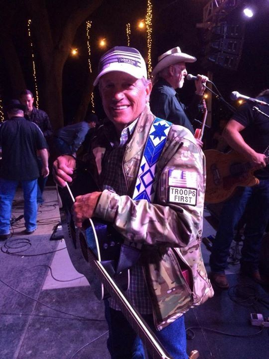 George Strait Receives an Award for His Service to the Men and Women in Unifrom 2