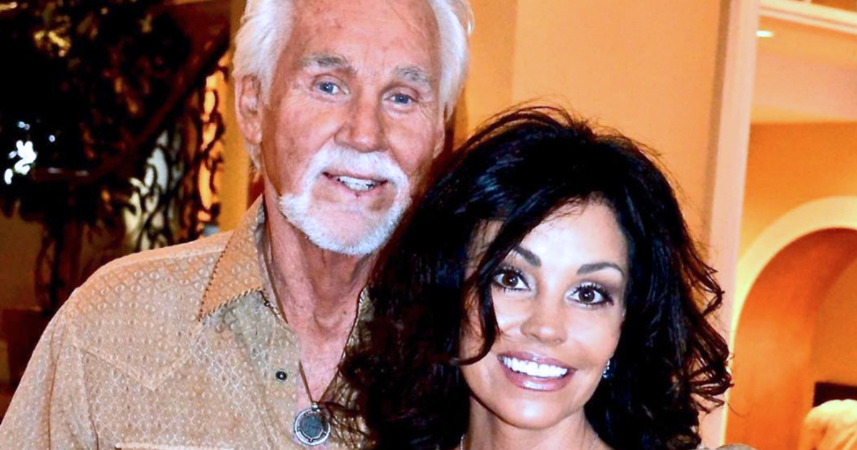 Wanda Miller: 8 Fast Facts About Kenny Rogers' Wife