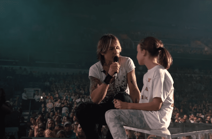 More than His Artistic Posture, Keith Urban Shows His Father's Heart On Stage 1